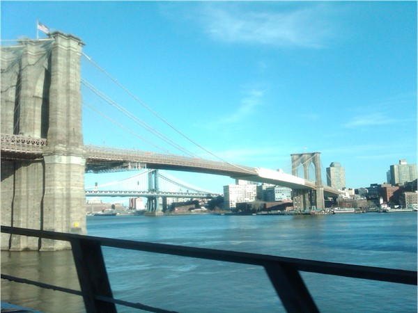 Two historical and breathtaking bridges to commute from Dyker Heights to Manhattan