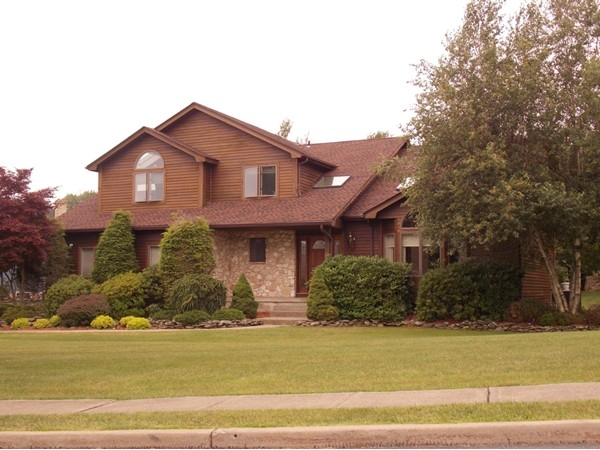Luxury homes in Fairway Estates, Monroe