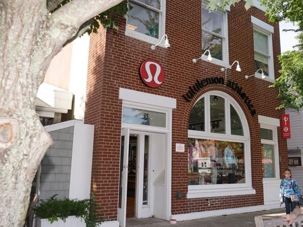 Lululemon store provides free community yoga classes on Sundays