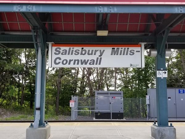 Metro-North Train Station in Cornwall