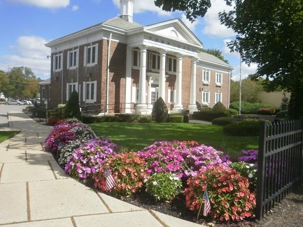 Smithtown Town Hall