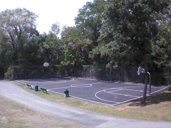 Oak Drive Park basketball court in Walton Lake Estates
