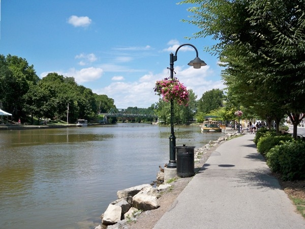 The Erie Canal as it flows through Pittsford at Schoen Place