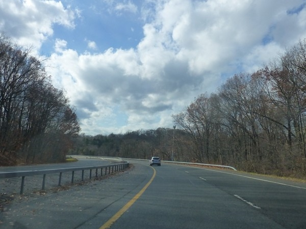 Approaching Pearl River From Rte 304