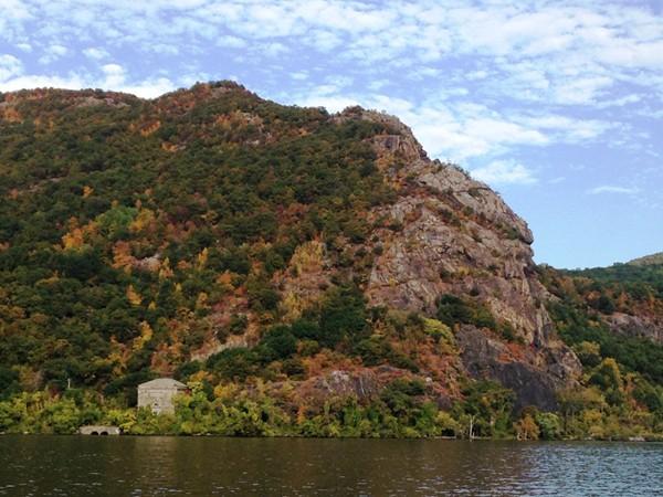Breakneck mountain great hiking