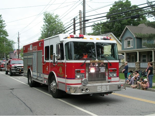 Washingtonville thanks its local fire service in the Memorial Day Parade