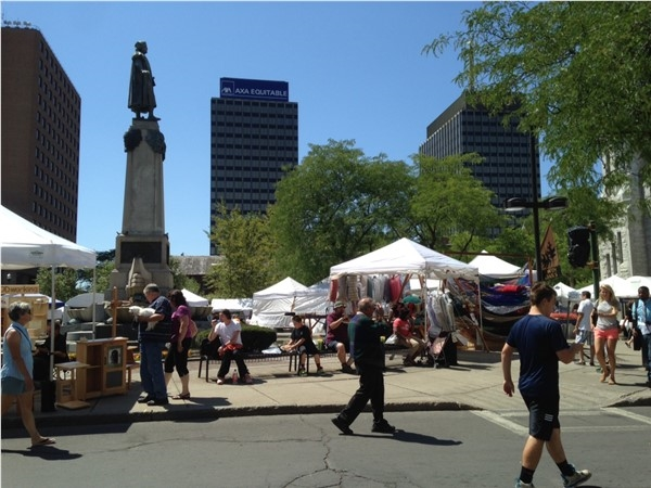 Annual Arts and Crafts Festival at Clinton Square