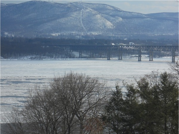 Beautiful Hudson River - Newburgh Beacon Bridge