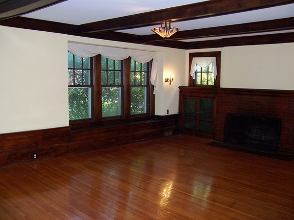 Huge Living Room With Natural Woodwork In A Large Home The Park Avenue Area
