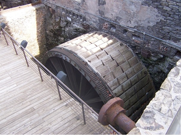 The immense size of this water wheel at High Falls - used to power the grist mills is incredible!