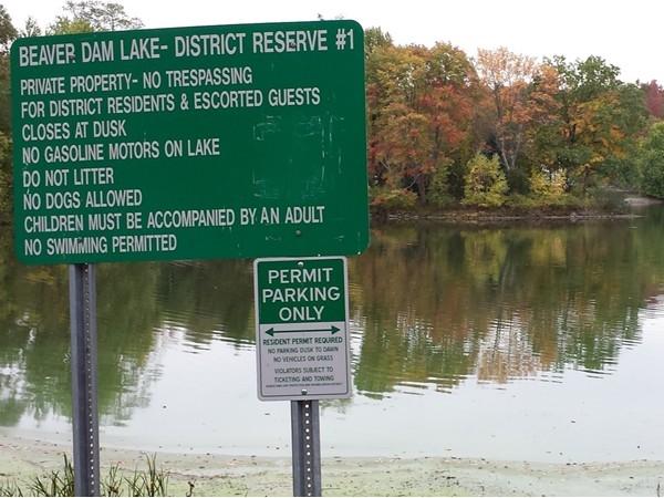 Autumn foliage view at Beaver Dam Lake community