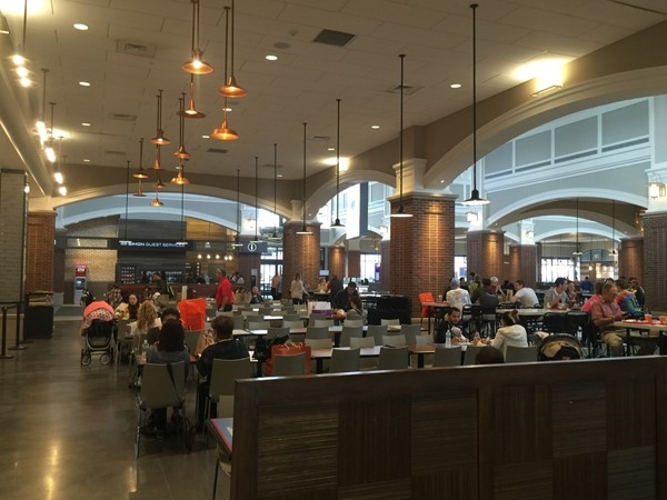 Food Court in Woodbury Common