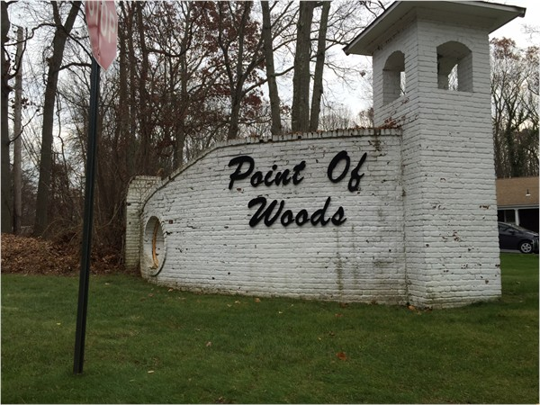 Point of Woods neighborhood
