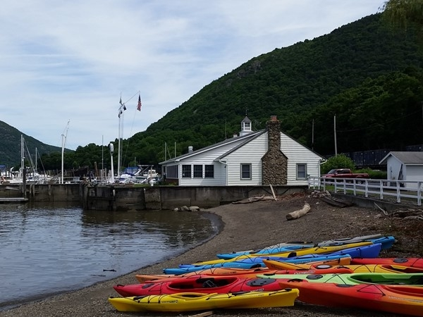 Kayaking the Hudson River with Mountain Valley Guides