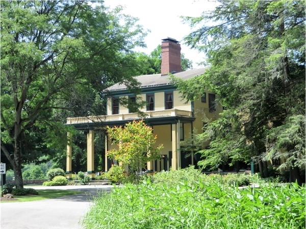 The Historic Glen Iris Inn overlooking the middle falls in Letchworth State Park near Portage
