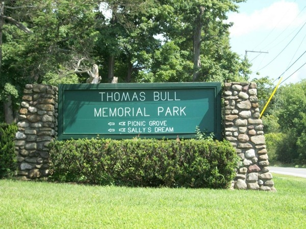 Escape with your family to Hamptonburgh and visit Thomas Bull Park!