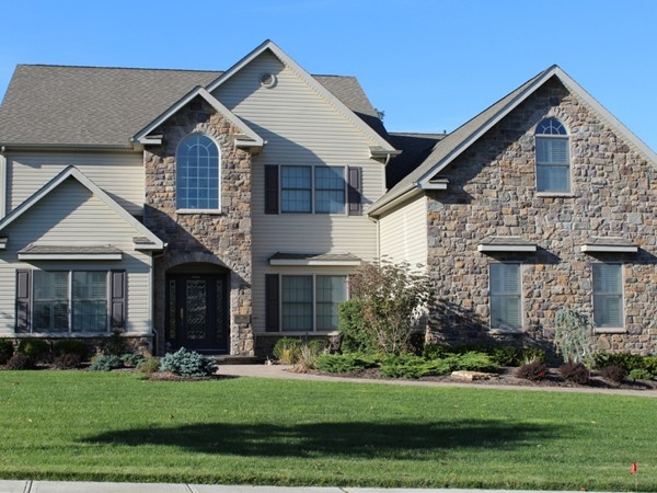 Stone faced exteriors really make a home look classy!
