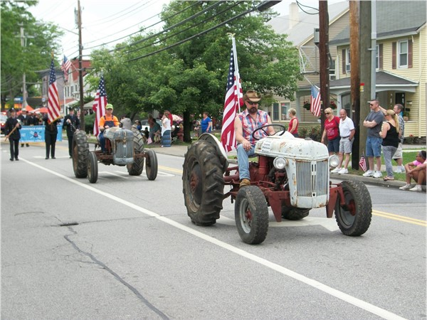 Local farmers even came out on their tractors for the parade