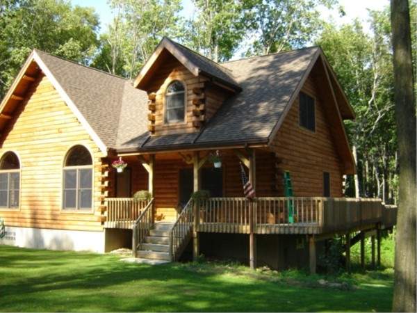 Spectacular log home on 18 acres of hardwoods