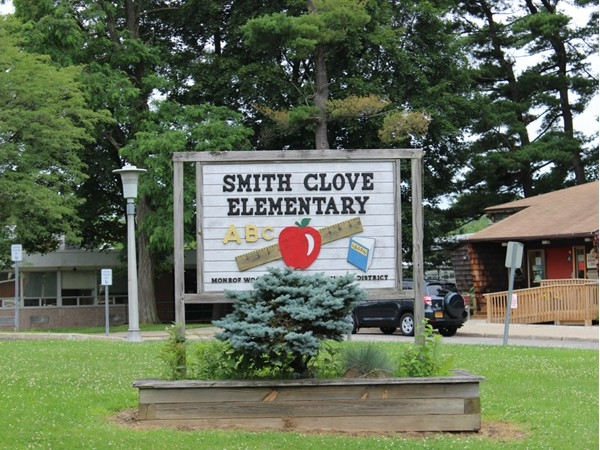 Nice entry to Smith Clove Elementary