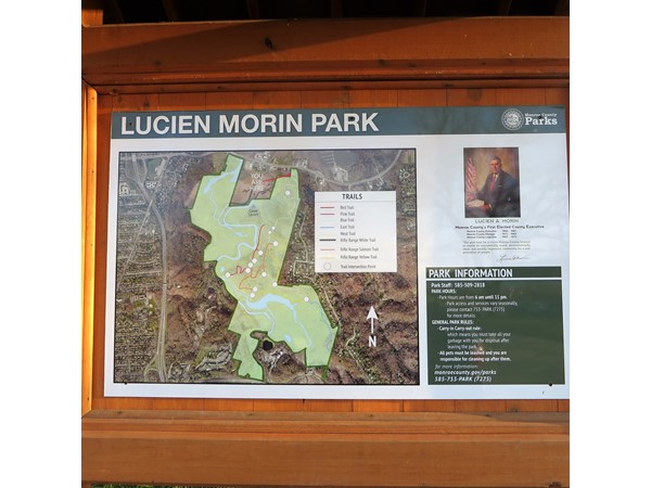 Hiking and nature paths at the Lucien Morin Park in the Irondequoit Bay perserve
