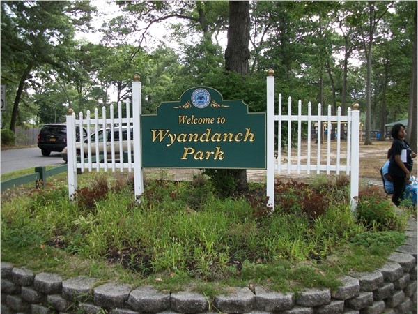 Welcome to Wyandanch Park