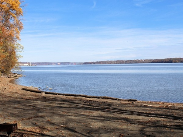 Hudson River from Plum Point