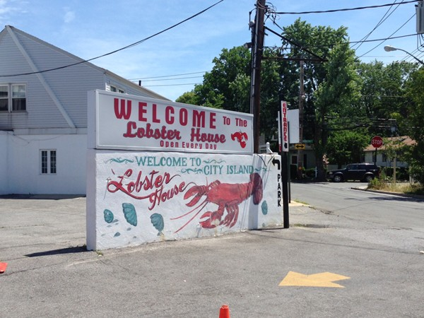 The Lobster House is a great local restaurant. Fresh seafood, great prices, plenty to eat!