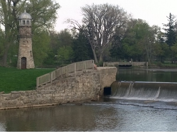 Come and enjoy Como Park. Ride your bike, walk your dog, have a picnic and much more!