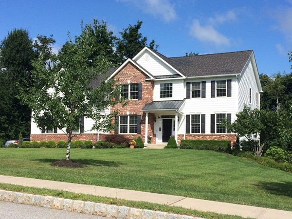 Chadeayne Woods home with beautiful landscaping