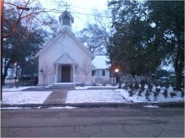 The Episcapol Church in Magnolia, MS - covered in snow