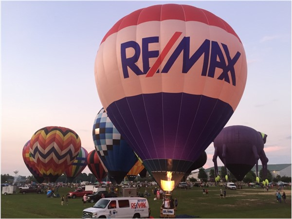 Awesome Balloon Glow Fest