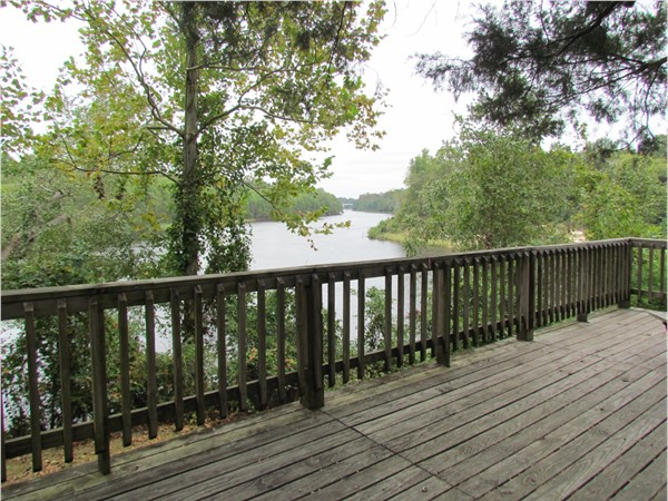 Picnic deck overlooking the massive Pearl River