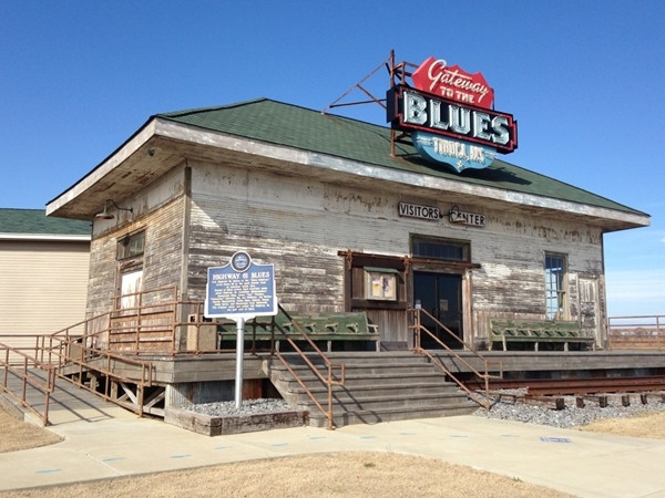 Travel 61 Hwy (Blues Highway) for a taste of old Mississippi in the Delta
