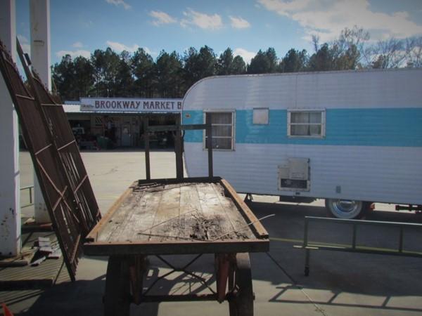 Brookway Market & Basket produce market