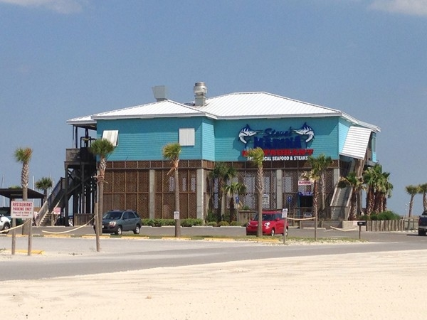 Seafood, steaks, pasta and more! Steve's Marina is located beach front with spectacular views