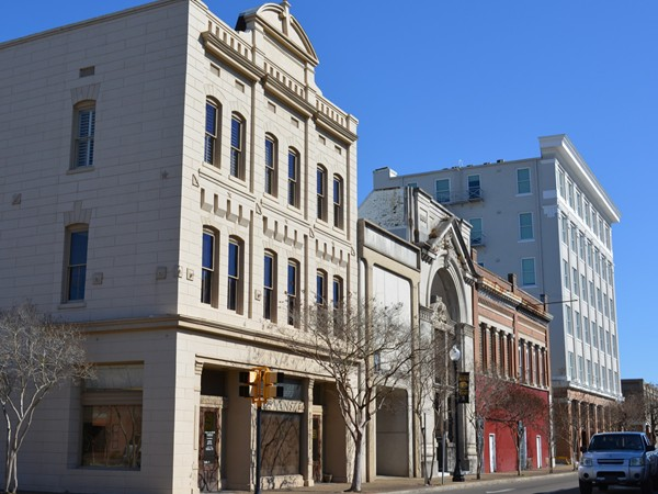 Hattiesburg boasts a quaint downtown, where you can work, dine, shop, and live