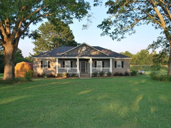 Country home in Hamilton MS