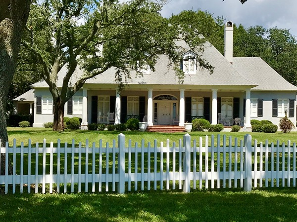 Large historical homes on Scenic in Pass Christian