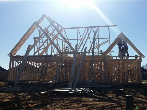 New home construction in Desoto County, MS  includes a mix of smaller, mid-size and larger homes.