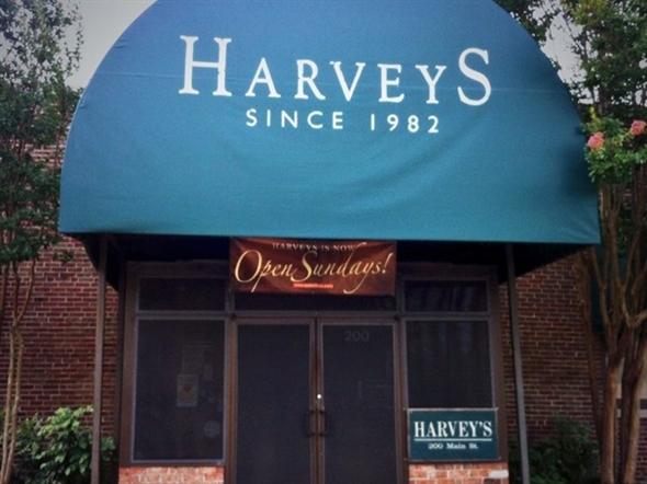 Fine Dinning at Harveys of Columbus.