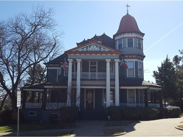 A 19th Century Gingerbread Victorian on McKinney's historic east side