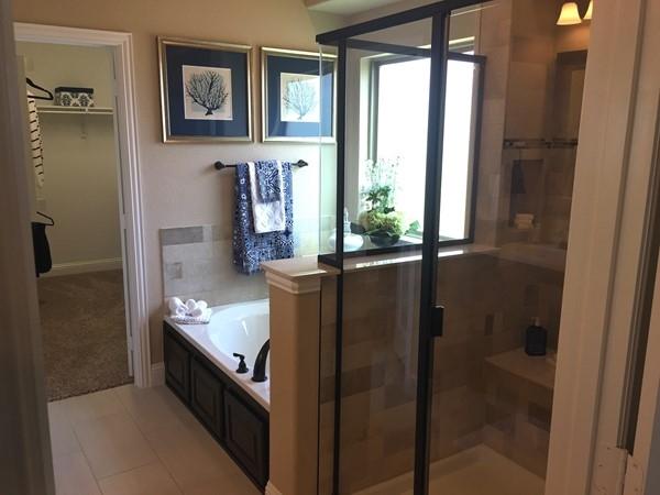 Altura Homes Master Bathroom