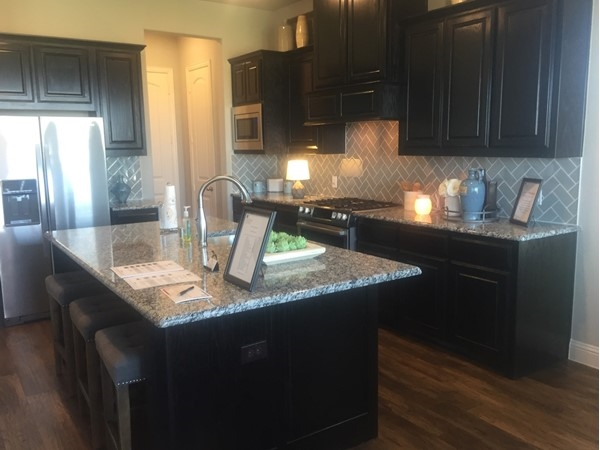 Oakdale Homes defines luxury kitchens