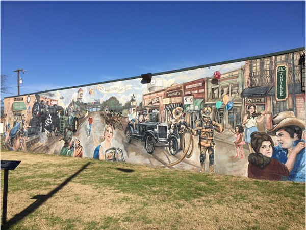 Wylie welcomes you with a wonderful mural