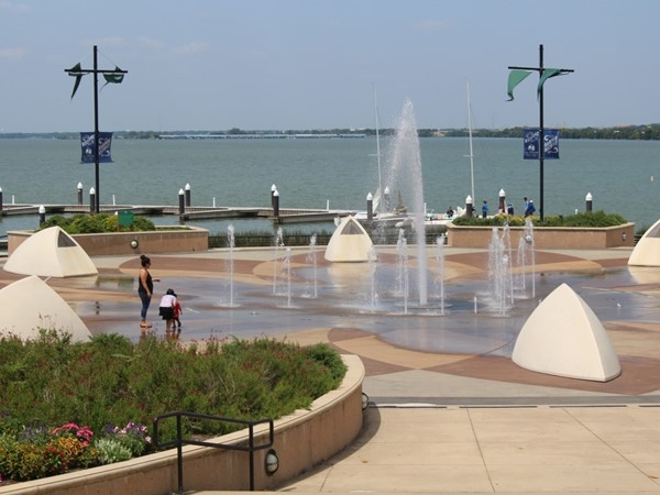 The Harbor Rockwall Fountains ...the kids love this one