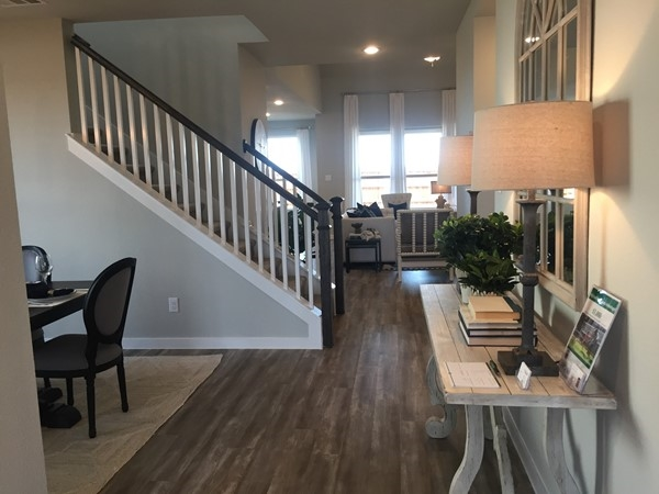 Highland Homes entry view in Waterscape