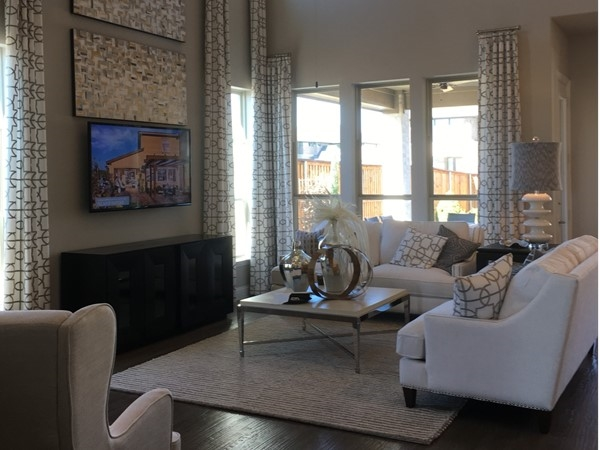 Model of a transitional contemporary home in McKinney