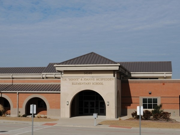 Neighborhood school in Lawler Park - McSpedden Elementary